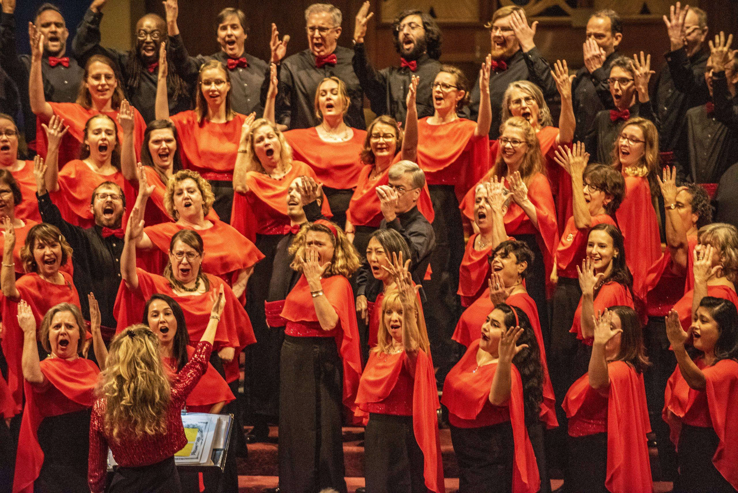 Picture of people singing in a choir